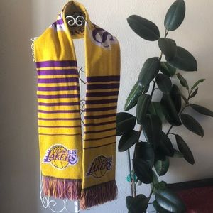Lakers scarf